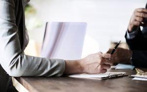 在何種狀況下,企業主可以裁員解僱勞工?